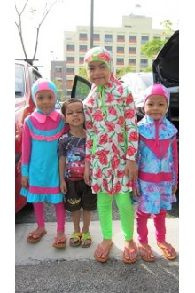 Testimoni customer Moonaz Swimming Baju Renang Muslimah 2012-2